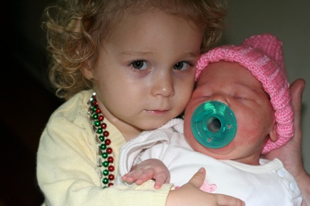 Sara meets Sophia for the first time