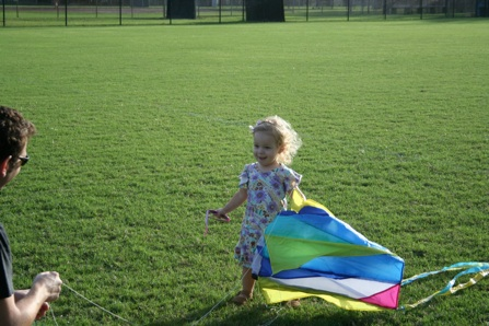 Sara flies a kite