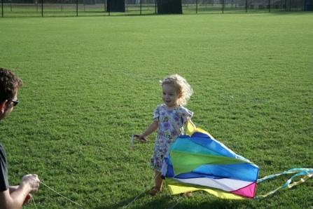 Sara flies a kite