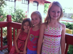 Sophie, Sara, Dayna